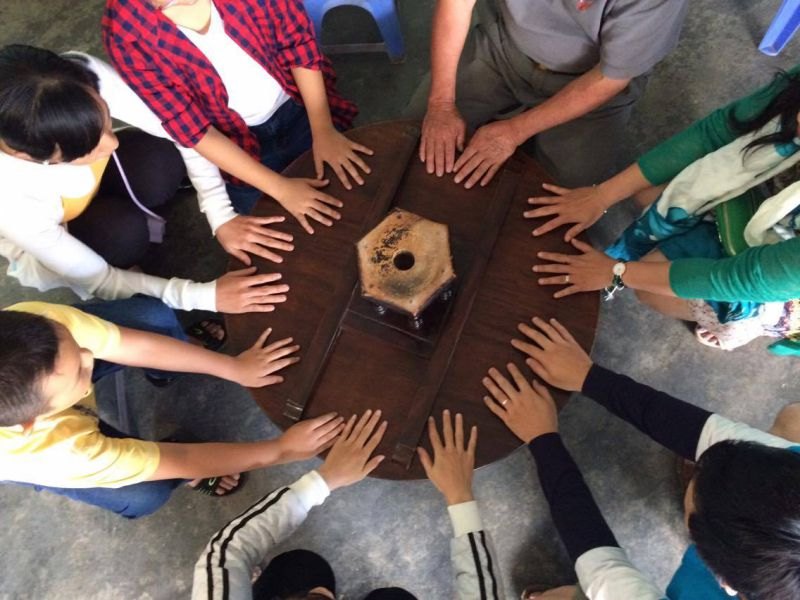 cây bàn xoay bàng gỗ ở Chùa Tàu