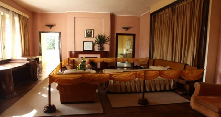 Phòng ngủ của vua Bảo Đại