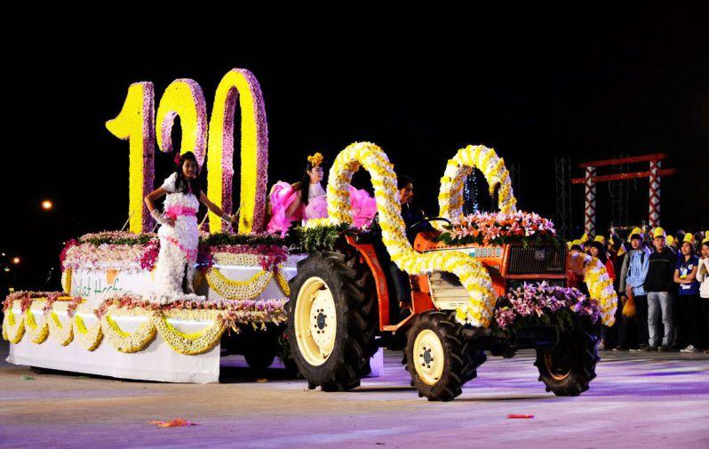 xe dieu hanh festival hoa da lat