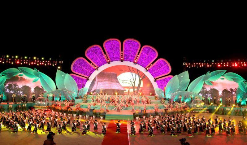 Sân khấu lễ hội hoa ĐÀ LẠT