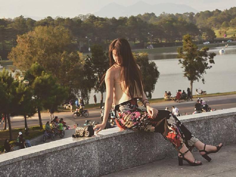 Chụp hình đẹp ở quảng trường Lâm Viên