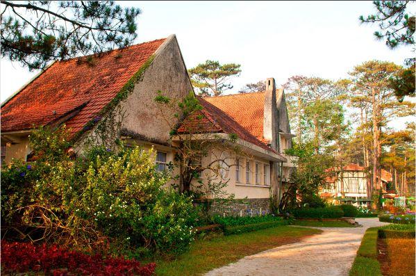 Làng villa theo phong cách kiến trúc Pháp