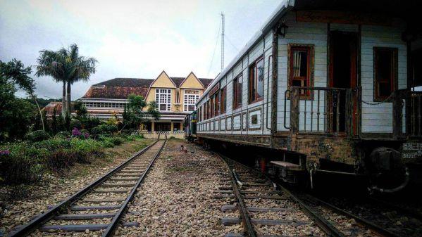 Nhà ga Đà Lạt trong tour Langbiang