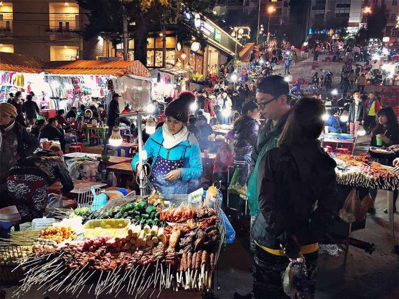 chợ đêm ở đà lạt