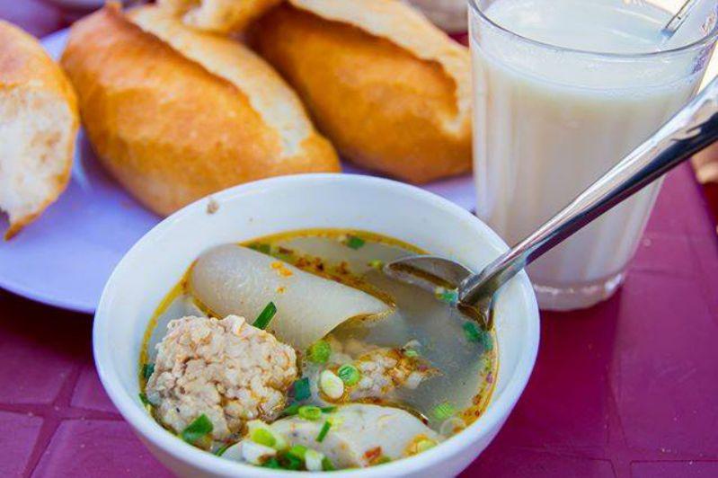 Món ăn sáng ở Đà Lạt được yêu thích, bánh mỳ xíu mại