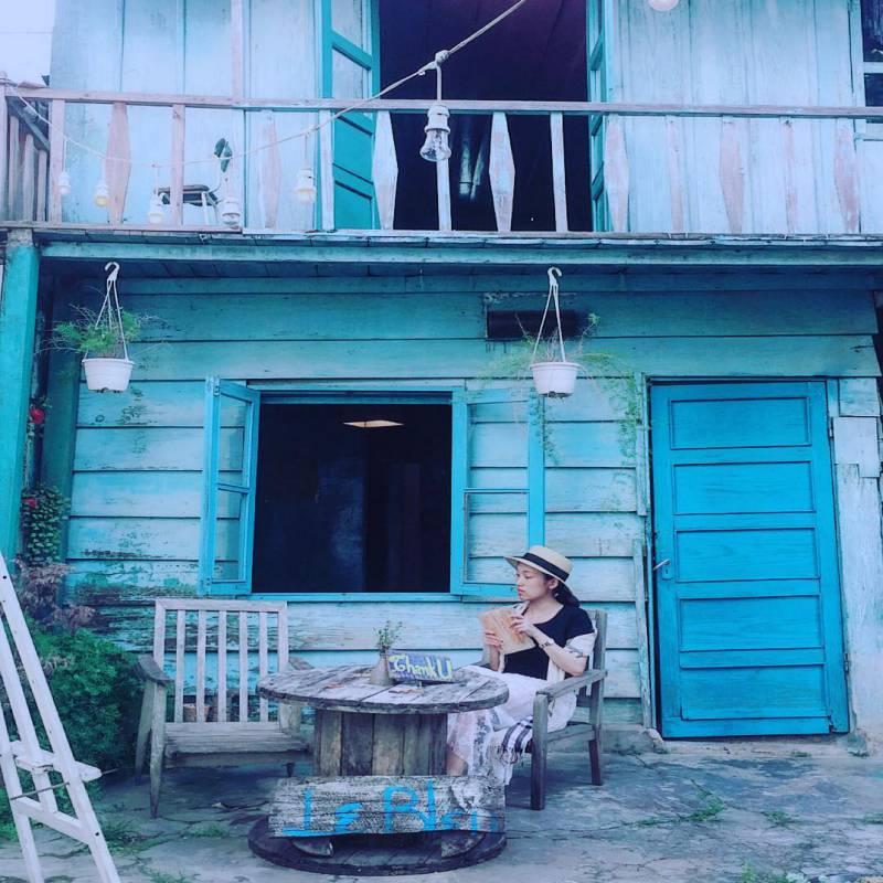 Đọc sách cùng Le Bleu homestay ở Đà Lạt