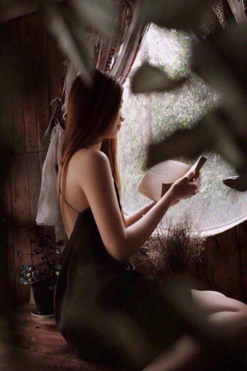 Đọc sách cùng Sunshine cà phê Đà Lạt