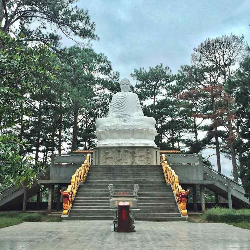 Tượng Phật Thích Ca ở Chùa Tàu ở Đà Lạt