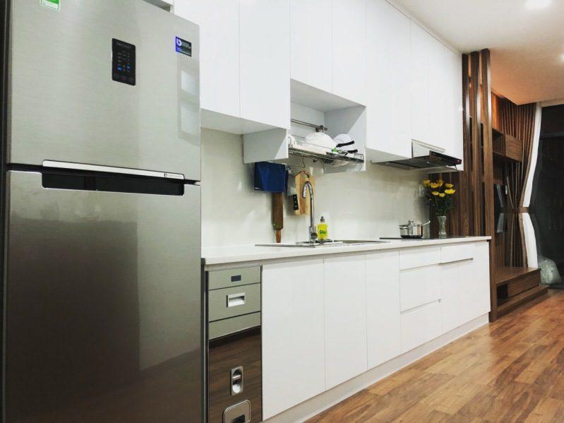 Nhà bếp với đầy đủ tiện nghi bên trong căn hộ Dalat Center House ở Đà Lạt