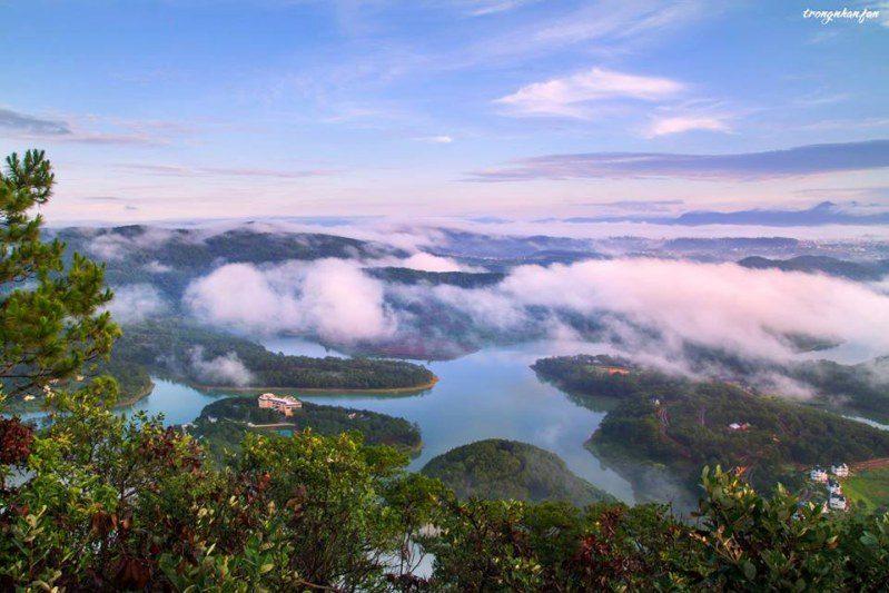 Hồ Tuyền Lâm ngày mây về - kỷ niệm chinh phục đỉnh Pinhatt