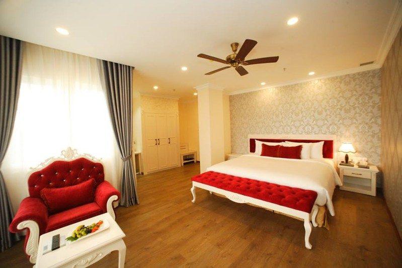 Không gian bên trong phòng hạng Executive của Đà Lạt LADALAT Hotel