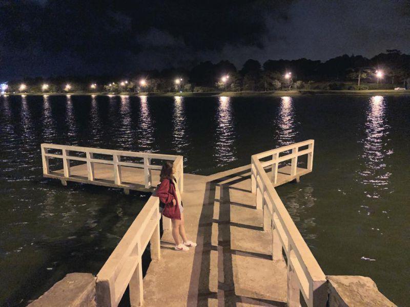 Ngắm nhìn cảnh Đà Lạt lãng mạn về đêm từ cầu chữ Y