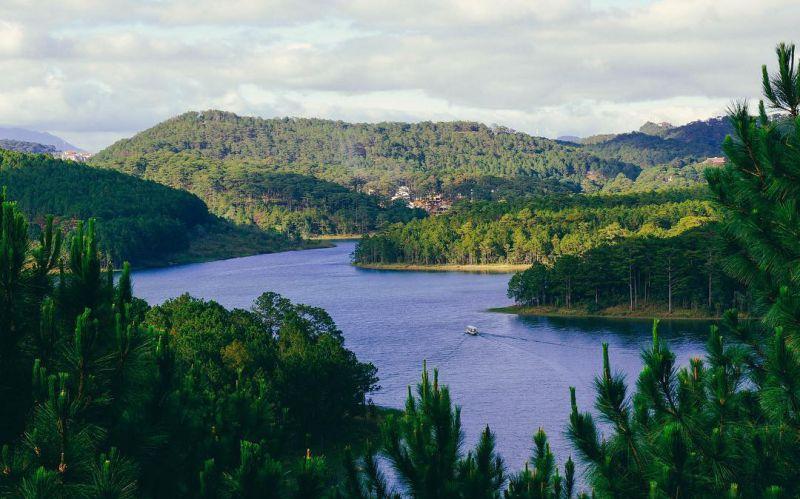 Hồ Tuyền Lâm điểm tô cho khu nghỉ dưỡng bậc nhất Đà Lạt Edensee