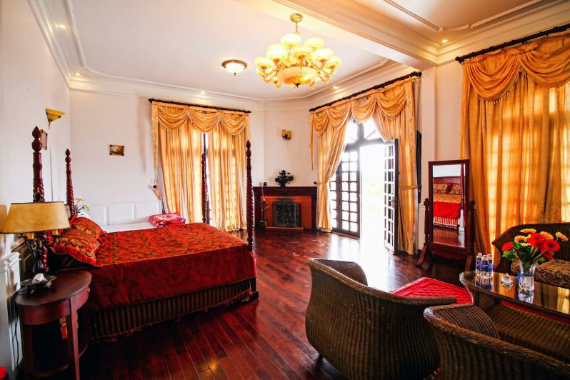 Không gian nội thất tân cổ điển cực sang bên trong biệt thự Hoàng Gia ở tp Đà Lạt