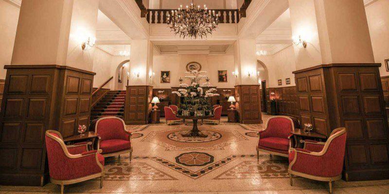 Không gian ở bên trong khách sạn Dalat Palace Henritage Luxury