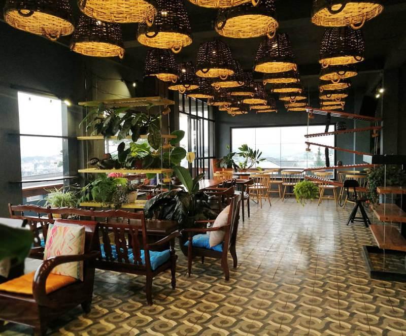 Không gian nội thất đẹp bên trong Up Coffee