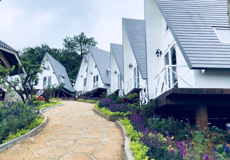 Lam Phượng Cát Hill