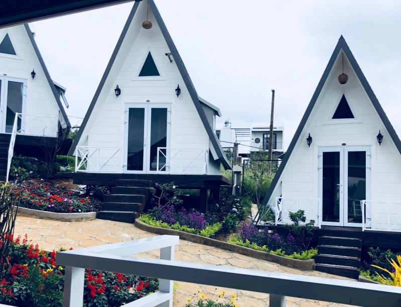 Phong cách kiến trúc đơn giản nhưng không kém phần sang trọng của Lâm Phượng Các Hill homestay ở Đà Lạt