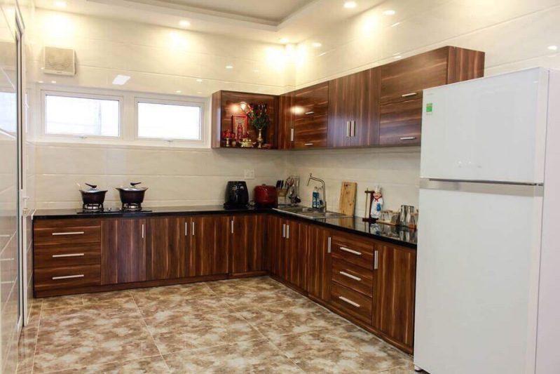 Nhà bếp với đầy đủ trang thiết bị cần thiết cho gia đình của Mai Xuân Thưởng Villa ở Đà Lạt