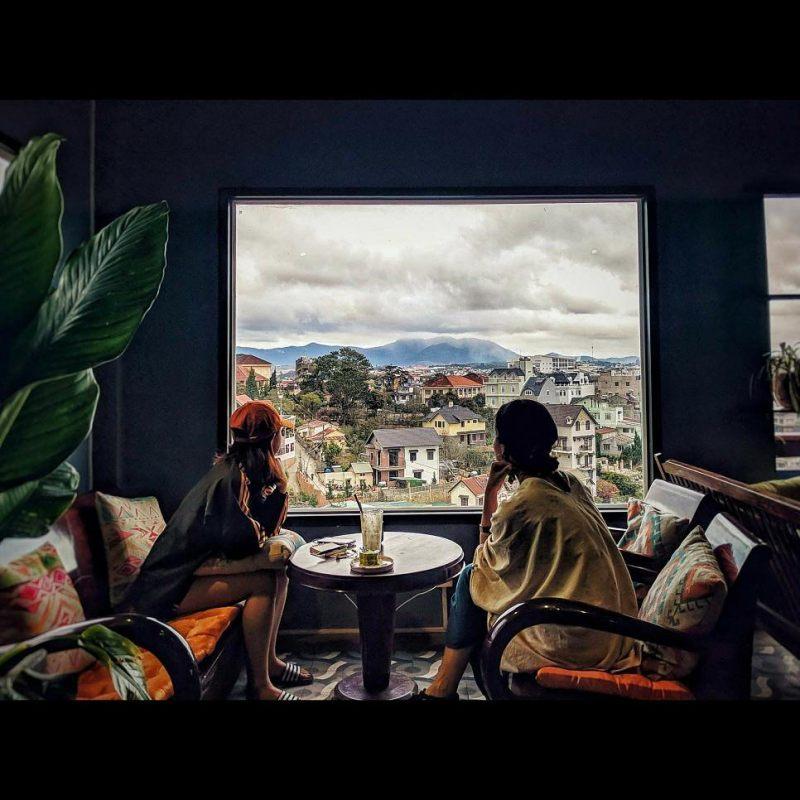 Ngắm nhìn thành phố Đà Lạt cùng Up coffee Đà Lạt