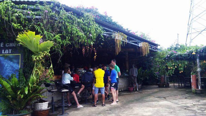 Quán Cafe Chồn Trại Hầm ở Tp. Đà Lạt là nơi thu hút nhiều vị khách nước ngoài đến đây