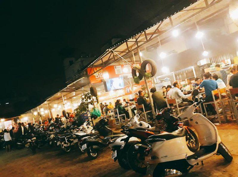 Không gian bên ngoài Quán nướng BBQ No. 1 ở tp Đà Lạt