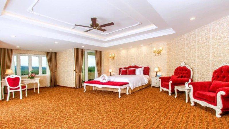 Không gian bên trong phòng hạng Suit President của Đà Lạt LADALAT Hotel