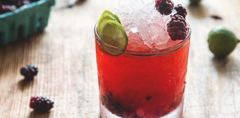 Đồ uống Đà Lạt - nước dâu tằm ngọt lịm hấp dẫn