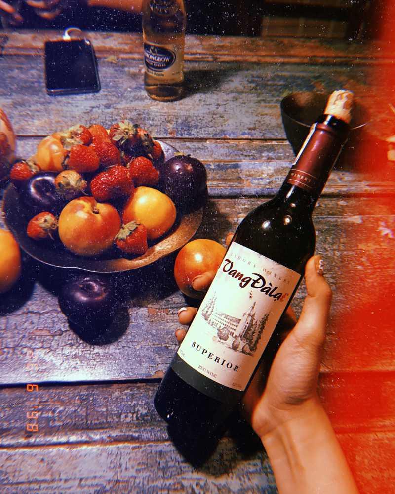 Đừng quên mua một chai rượu vang khi đến Đà Lạt nhé