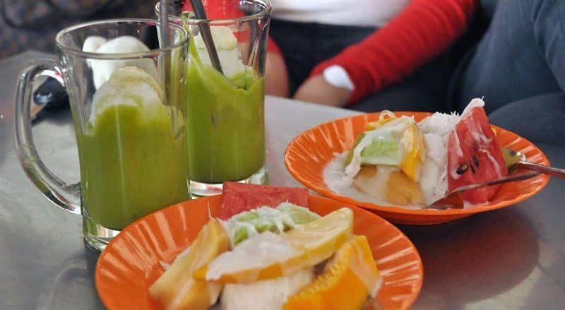 Kem bơ, kem trái cây Thanh Thảo - quán ăn vặt nổi tiếng tại Đà Lạt