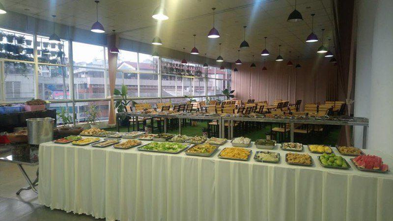 Không gian bên trong Quán Buffet Nướng TÁM ở Đà Lạt