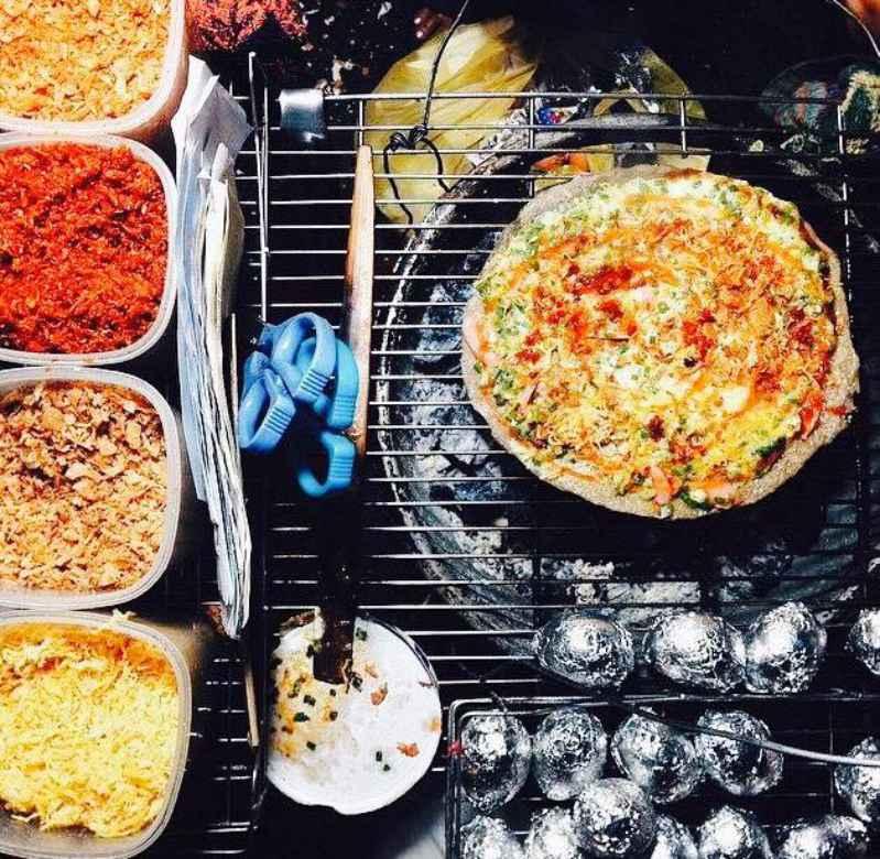 Hương vị đặc trưng chỉ có bánh tráng nướng 61 Nguyễn Văn Trỗi mới có