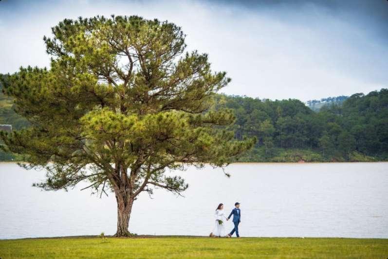 Chụp ảnh cưới Đà Lạt - tại Hồ Xuân Hương