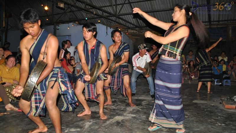 Tay Nguyen gong - Dalat gong tour