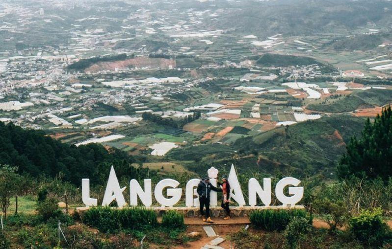 Núi Langbiang tại Đà Lạt tháng 9