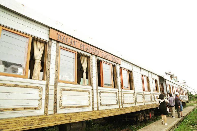 Đi ga tàu lửa cổ lên Trại Mát Đà Lạt