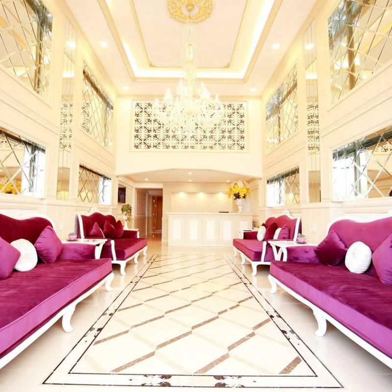Phòng khách bên trong khách sạn Kim Hòa Đà Lạt