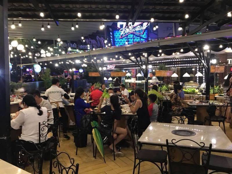 Không gian bên trong Quán NGON BBQ - Buffet Garden ở Đà Lạt