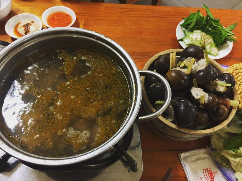 Review chi tiết quán ốc nhồi thịt 33 ngon nổi tiếng ở Đà Lạt