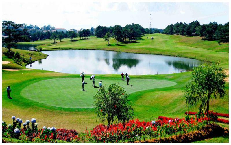 Sân Golf Đồi Cù ở Đà Lạt