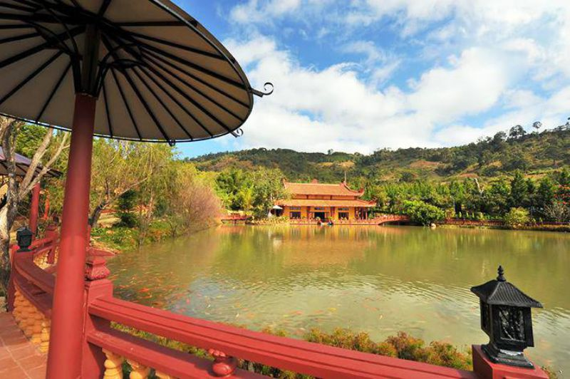 Hồ Định An ở Trần Lê Gia Trang - Trúc Lâm Viên