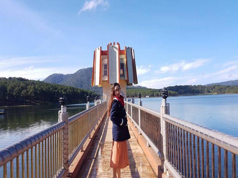 Trang phục đẹp, hợp thời tiết tháng 10 ở Đà Lạt (Ảnh: sưu tầm FB Cao Thị Thu Thảo)