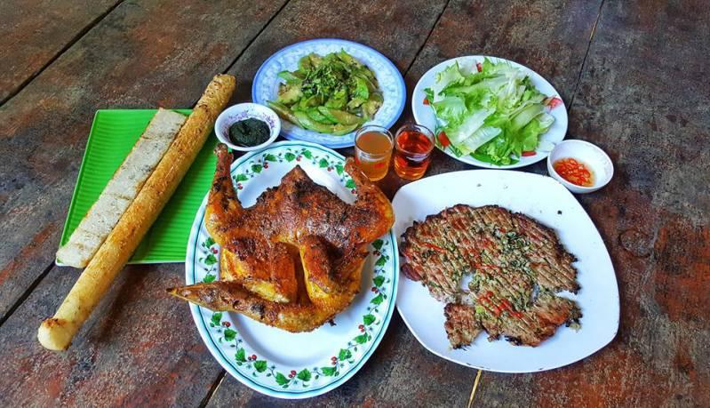 Quán cơm lam gà nướng Tam Nguyên Ayun