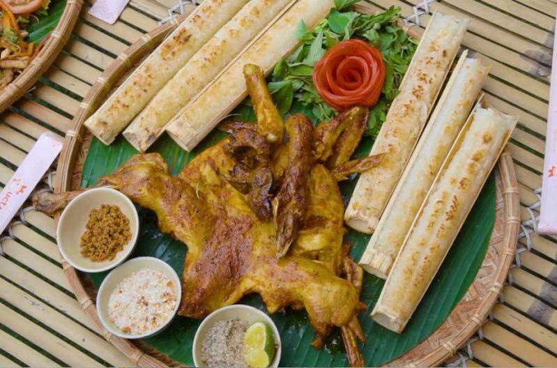 Quán cơm lam gà nướng Hương Rừng