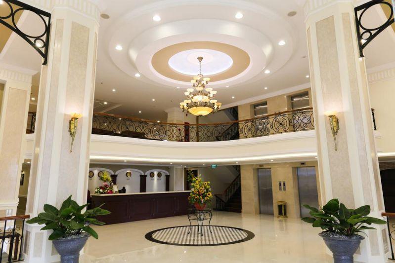 Không gian bên trong khách sạn Iris Đà Lạt