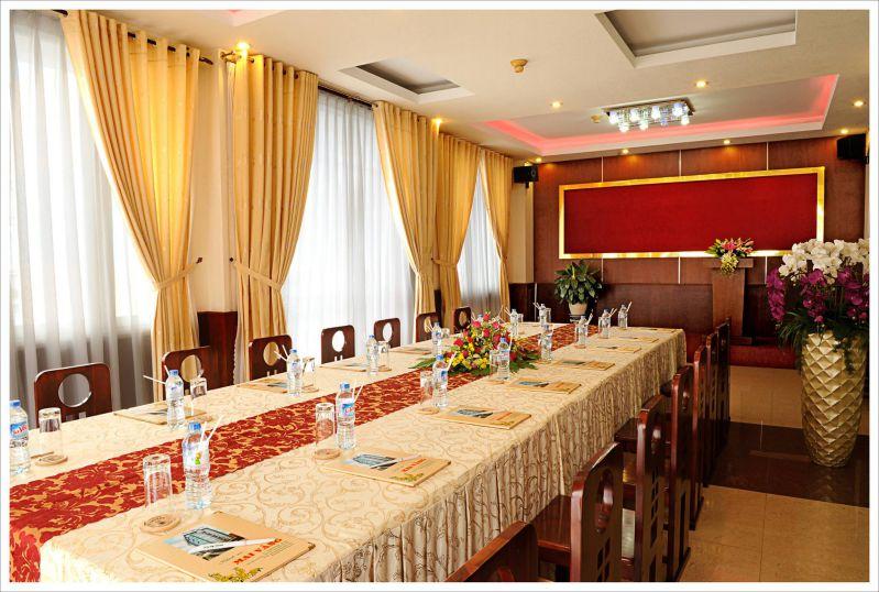 Phòng họp ở ks Mai Vàng Hotel Đà Lạt