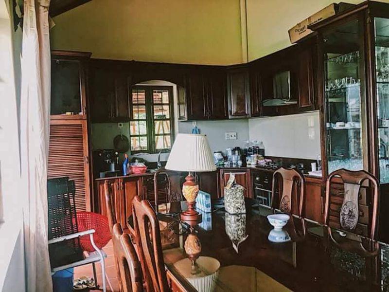 Phòng bếp của căn villa Pháp cổ Đà Lạt