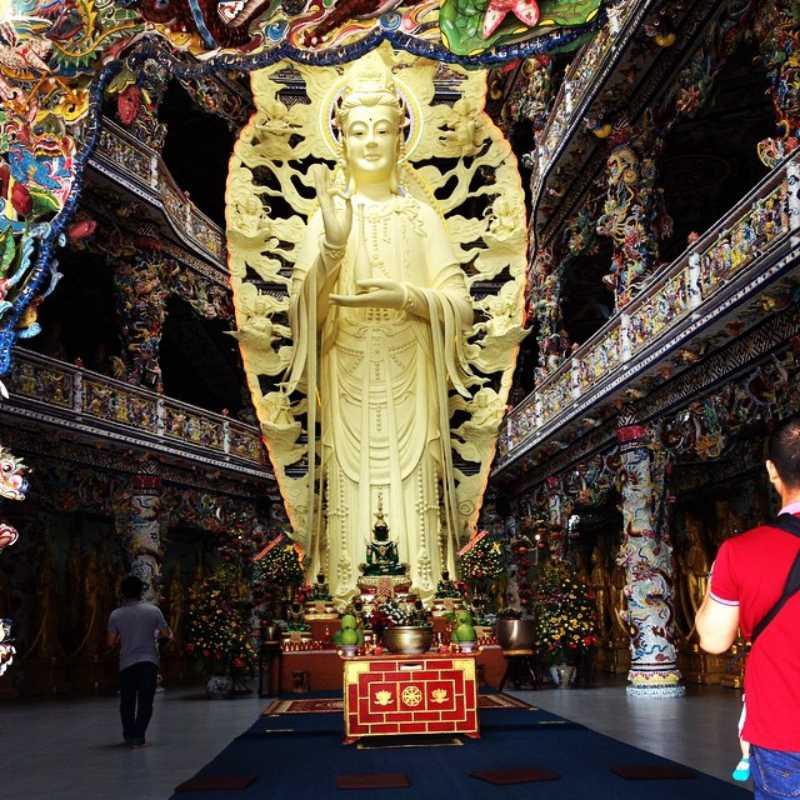 Tượng Phật cao nhất Việt Nam ở Chùa Linh Phước Đà Lạt