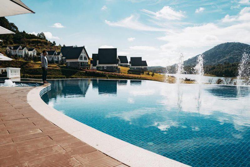 Hồ bơi ở Khu nghỉ dưỡng Dalat Wonder Resort Đà Lạt
