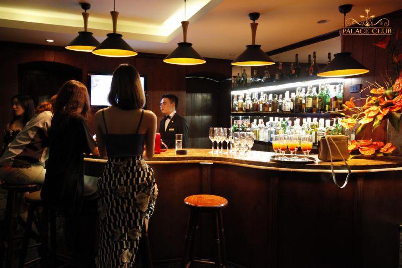 Quầy bar ở Du Parc Hotel Đà Lạt